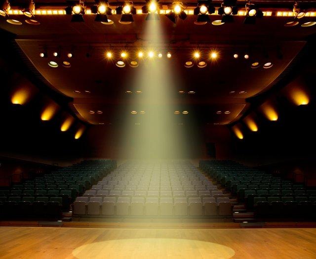 舞台の写真(喜山いづみ)