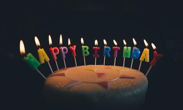 誕生日ケーキ(喜山いづみの年齢)